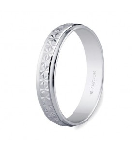 WEDDING RING WHITE GOLD 4MM FACETED