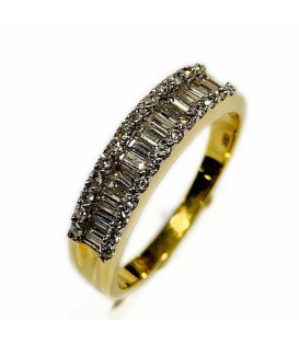 18 kts yellow gold ring with diamonds