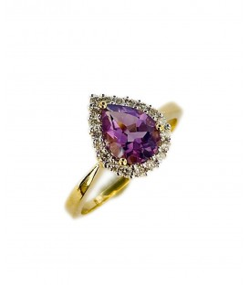 RING OF AMEYTHYST AND DIAMONDS